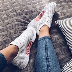 Der brandneue adidas Sneaker ... der adidas Deerupt ist ein super Schuh für den Sommer. Ladies, schlagt sofort zu! _________ Foto: https://www.instagram.com/zuzana.zuchova/