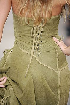 Ralph Lauren Spring 2009 rtw..  I love this dress it reminds me of 70s & early 80s