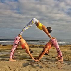 Incredible Yogi Pyramid of these three ladies in our Palm Springs print! @melzors is featured in the Power Crop & Airbrush Legging. @nadii_a is featured in the Sunny Strappy Bra & Airbrush Legging. @bohemian_heart is featured in the Sunny Strappy Bra & Airbrush Legging. #aloyoga #beagoddess
