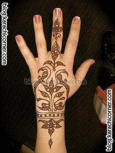 Simple Easy Mehndi Designs. Defs want to get this done for the wedding this summer