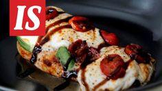 Jos rakastat tomaattia, basilikaa, mozzarellaa ja kanaa, tässä ruoassa ne yhdistyvät ihanasti. Halloumi, Mozzarella, Pancakes, Meat, Chicken, Breakfast, Food, Morning Coffee, Essen