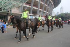 Polisi Berkuda Siap Tabraki Suporter Berulah di GBK