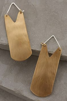 Anthropologie - Brass Shield Earrings i could totes make these Brass Jewelry, I Love Jewelry, Jewelry Accessories, Jewelry Design, Women Jewelry, Jewellery, Statement Earrings, Women's Earrings, Simple Earrings