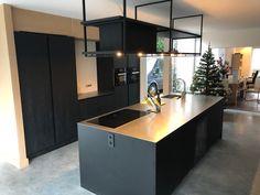 Kitchen Bar Design, Stylish Kitchen, Kitchen Pantry, Kitchen Interior, Home Kitchens, Wave, Furniture Design, House Design, Decoration