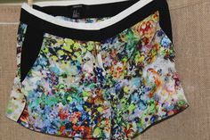 womens shorts/ Forever 21/ Size M/ Floral/ 100% poly/ (Dress/casual) very cute #FOREVER21 #Casualdressy