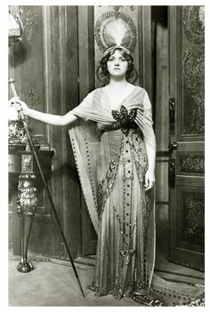 Vintage Photography: Gladys Cooper (1888-1971)