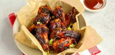 Barbecue recepten | Vlees, vis en vega - Lekker en Simpel Chicken Wings, Barbecue, Chicken Recipes, Menu, Mexican, Healthy Recipes, Healthy Food, Ethnic Recipes, Menu Board Design