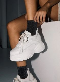 COM on Everyone needs a pair of white sneakers in their wardrobe the Lola Glitter Socks + Windsor Smith Lupe Sneakers -- Online now! White Shoes, White Sneakers, White Platform Sneakers, Estilo Bad Boy, Sneakers Fashion, Fashion Shoes, Mode Shoes, Chunky Shoes, Boots