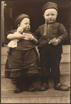 Dutch children, Ellis Island, 1910