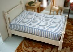 Tutorial for creating a mattress for a dollhouse bed, from Tiny Handmade blog.