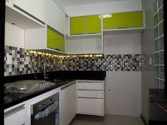 Móveis Planejados Salvador-BA - Cozinha Planejada com portas de Vidro amarelo