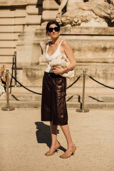 The Pouch—one of the first releases by Bottega Veneta's new-ish creative director Daniel Lee–was a style fixture at Couture Fashion Week. Here's what you need to know about the fiercely coveted It accessory and how the front row are styling it now Paris Couture, Couture Mode, Style Couture, Couture Week, Couture Fashion, La Fashion Week, Fashion Editor, Star Fashion, Paris Fashion