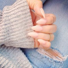 Pastel pointed nails