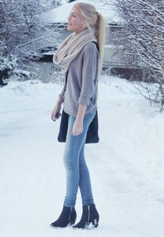 Vinter  , Asos in Scarves / Echarpes, Zara in Shirt / Blouses, Zara in Jeans, Gucci in Ankle Boots / Booties