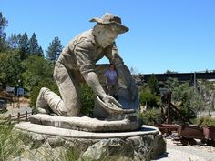 California's roadside attractions: big, kitschy, fun (or all three) | Get Lost | an SFGate.com blog