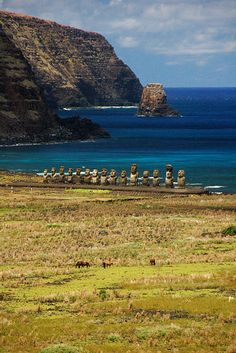 Easter Island is a Polynesian island in the southeastern Pacific Ocean. Easter Island is famous for its 887 extant monumental statues, called moai, created by the early Rapa Nui people.