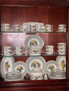 Servise fra Villeroy & Boch | FINN.no Fine Porcelain, Decorative Plates, Home Decor, Decoration Home, Room Decor, Home Interior Design, Home Decoration, Interior Design