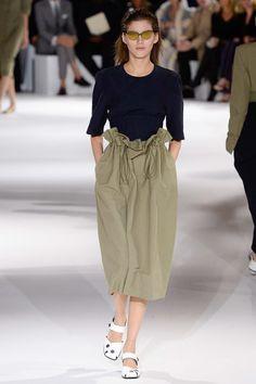 #StellaMcCartney  #fashion #Koshchenets    Stella McCartney Spring 2017 Ready-to-Wear Collection Photos - Vogue