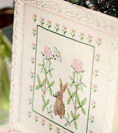 Dainty bunny print with flowers