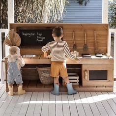 Mud Kitchens, Benches and Workbenches Outdoor Play Kitchen, Mud Kitchen For Kids, Kids Outdoor Play, Outdoor Play Spaces, Kids Play Area, Backyard For Kids, Diy Mud Kitchen, Indoor Play, Kids Cubby Houses