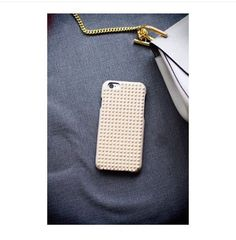 Borchie Nappa Ivory Gold for iPhone 6. Many thanks to @hidemoey #tcf #thecasefactory #nappa #ivory #gold #leathercase