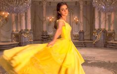 Entertainment Weekly shares a first look at Disney's live action version of 'Beauty and the Beast'. Emma Watson stars as Belle and Dan Stevens plays the Beast… Dan Stevens, Willow Stevens, Film Disney, Disney Live, Disney Movies, Disney Family, Luke Evans, Romy Schneider, Emma Watson Bela