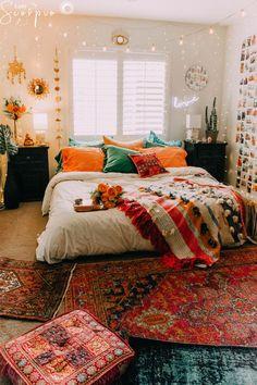 Boho room room inspiration in 2019 room decor, dorm room, bedroom decor. Dream Rooms, Dream Bedroom, Bedroom Bed, Pretty Bedroom, Jungle Bedroom, Cozy Bedroom, Master Bedrooms, Teen Bedroom, Cute Dorm Rooms