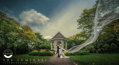 Pre Wedding Photography with a loving couple. Going around Singapore CBD and botanical gardens to capture their wedding photo.