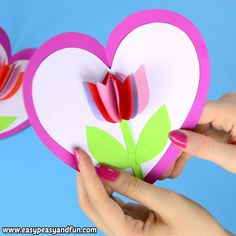 This tulip in a heart card is the cutest card your kids can make, either for Mother's day. Easy Mother's Day Crafts, Mothers Day Crafts For Kids, Spring Crafts For Kids, Paper Crafts For Kids, Diy Crafts For Gifts, Craft Activities For Kids, Valentine Day Crafts, Easter Crafts, Mothers Day Cards Craft