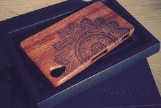 Drewniana obudowa Sony Xperia Z1. Etui wykonane z prawdziwego drewna.