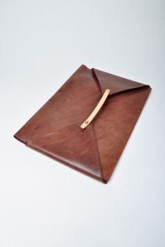 Cornelian Taurus Brown Leather Folder
