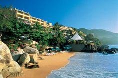 Camino Real Acapulco Diamante - A beautiful luxury hotel overlooking the by of Puerto Marquez. #mexico