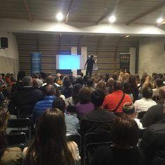 Hoy mas de 130 personas nos han acompañado en La Laguna ... Mañana casi 300 inscritos para nuestra conferencia en Santa Cruz ... ¡¡ Te esperamos !!   Consigue tu plaza en caminaporelfuego@gmail.com  #caminaporelfuego #sisepuede #firewalking #superacion  www.caminaporelfuego.com