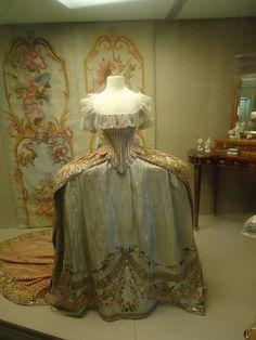 Robe de cour de Ekatérina Pavlovna, att. atelier de Rose Bertin, fin des années 1780, Pavlovsk
