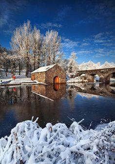 Winter wonderland setting, River Lagan, Belfast, Ireland