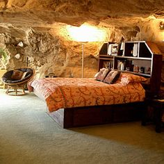 20 most unique hotels in the West | Kokopelli's Cave Bed, New Mexico
