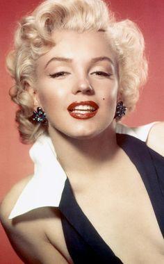 Platinblonde Mähne, sinnliche Lippen, verruchter Schlafzimmerblick: Marilyn…