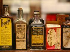 Old pharmacy bottles Antique Bottles, Vintage Bottles, Bottles And Jars, Vintage Labels, Antique Glass, Old Medicine Cabinets, Chemical Science, Constipation Remedies, Old Advertisements