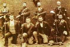 Boere-met-Bybels-en-Mausers...Boers with Bible and Mauser rifles