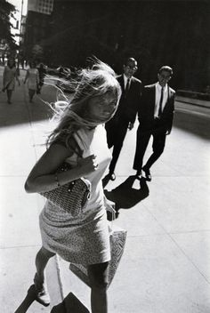 Garry Winogrand Untitled 1969. - #photography #photo #photographer #streetphotography #blackandwhitephotography #vintagephotography