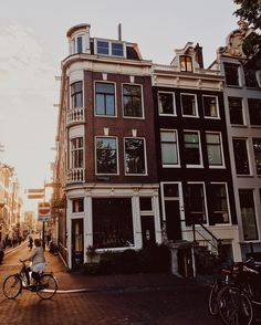 Looking for the best photo spots in Amsterdam? See the most instagrammable spots in Amsterdam with tips from a local photographer on the best places to take photos in Amsterdam.