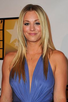 How Kaley Cuoco Bypassed the Awkward Stages in Growing Out Her Hair – Celebrities Female Blonde Actresses, Hot Actresses, Beautiful Celebrities, Beautiful Actresses, Beautiful Women, Beautiful People, Actrices Blondes, Kaley Cuoco Body, Kaley Cucco