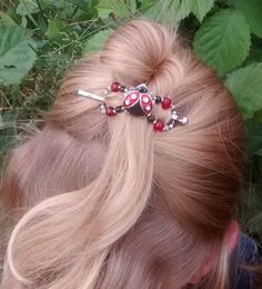 Ladybugs love little lady's locks!  Limited edition flexi clip, available while supplies last www.lillarose.biz/SheGlows