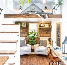 Fascinating Tiny House Interior Decor Ideas Using Plants 31 - Lovely silk hanging plants are good adornment in the house to achieve a feeling of natural ambiance. Especially in city living where it is sometimes n. Small Room Design, Tiny House Design, Tiny House Plans, Tiny House On Wheels, Tiny House Shed, Open House, Tiny House Living, Small Living, Tiny House Bathroom