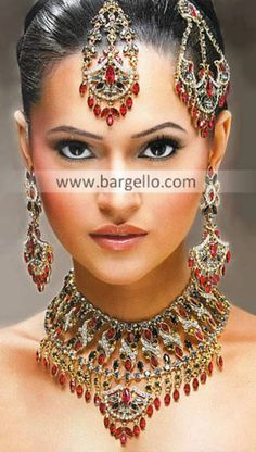 Jewelry Model, Jewelry Sets, Monica Bellucci Photo, Ruby Gemstone, Sterling Silver Jewelry, Silver Jewellery, Traditional Outfits, Wedding Jewelry, Fashion Jewelry