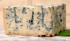 Gorgonzola from Italy.not as strong as blue cheese. German Cheese, English Cheese, Dutch Cheese, French Cheese, Italian Cheese, Cheese Types, Best Cheese, Wine And Cheese Party, Wine Cheese