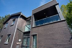 Tilbygg og rehabilitering enebolig Sverresdalsveien 5 Trondheim - Velkommen til Byggmester Bugge AS Home Projects, Multi Story Building, New Homes, Trondheim, Mansions, House Styles, Outdoor Decor, Home Decor, Decoration Home