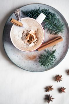 vegan gingerbread latte More