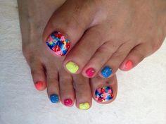 Женщины очень тщательно следят за своей внешностью, и красота ногтей находится для них далеко не на последнем месте. Если маникюр следует делать регулярно хотя бы потому, что ногти на руках всегда на ...