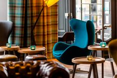 Hotel Edinburgh Royal Motel One with best price guarantee, free Wi-fi, free cancelation - modern and cheap budget design hotel Edinburgh located near the central station. Hotel Motel, Scottish Highlands, Egg Chair, One Design, Old Town, Edinburgh, Backdrops, Royalty, Carpet